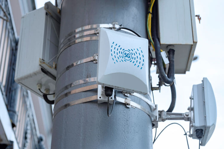 4.9 GHz mid-band spectrum cell towers