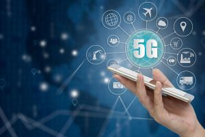 5G Network on a Cell Phone with Hand